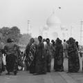1-women-at-the-taj-mahal