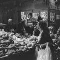 1-woman-in-mahane-yehuda-market